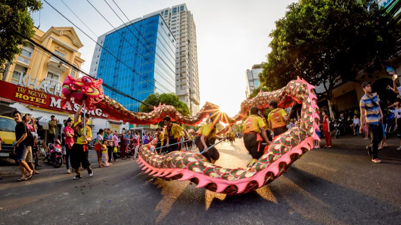 Vietnam's Favorite Festivals within Lunar Calendar Cockfighting 2020