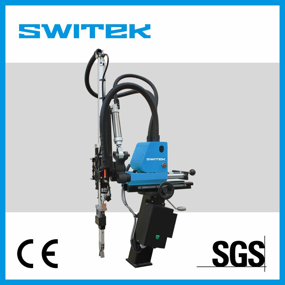Small Pneumatic Swing Sprue Picker Industrial Robot in Swing Date Picker